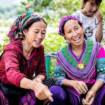 Topas Ecolodge - colourful minority - women